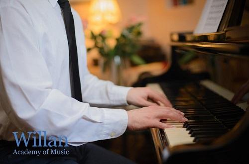 3 BIG Secrets to Play Piano