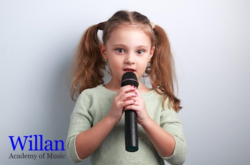 How Parents With No Singing Knowledge Can Help Their Kids
