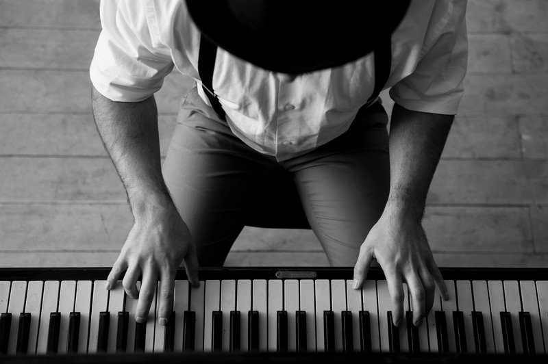 5 things you can start doing today to be more successful at playing the piano.
