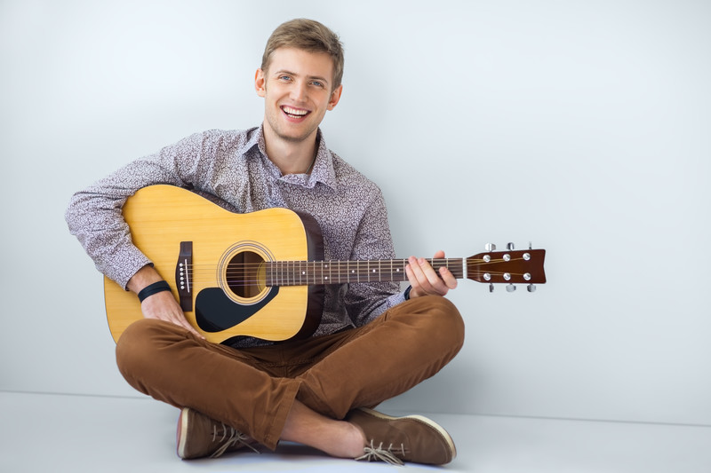 Easy Songs to Learn on Guitar – 3 Great Songs